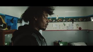 DANNY BROWN - 25 BUCKS FEAT. PURITY RING (OFFICIAL VIDEO)