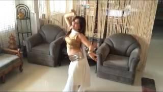 Watch Enaakshi Kotwal dance on Humko Aajkal hai Intezar