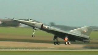 LAST TAKE OFF OF A DASSAULT MIRAGE IV SUPER SONIC BOMBER AT PAYERNE SWITZERLAND 2004