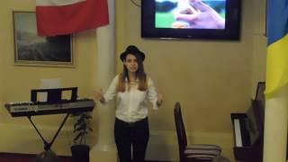 4 maja 2017 Olena Babko śpiewa piosenkę   Kamień z Napisem DSCN4478