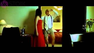 Kareena Kapoor  seduce an old man Bed scene