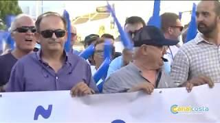 El Portil se manifiesta en demanda de la regeneración de la playa