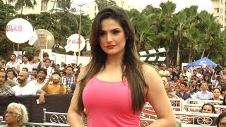 HOT Zarine Khan Spotted At Carter Road, Bandra For Charity Event