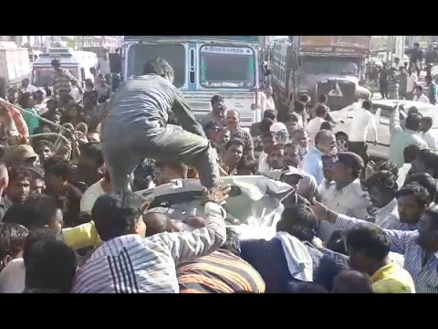 Palanpur : Triple Accident Of Truck, Bus And Car, May 3 Died In Accident, Watch Video