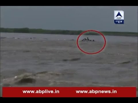 Boat capsizes in Bijnor, all eight rescued