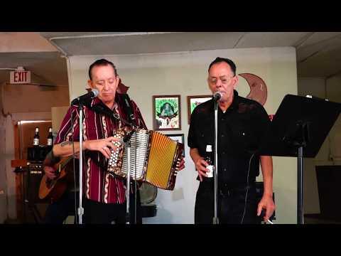 Flaco & Santiago Jimenez Brincando Cercas Carnitas Uruapan in San Antonio Tx. 2014