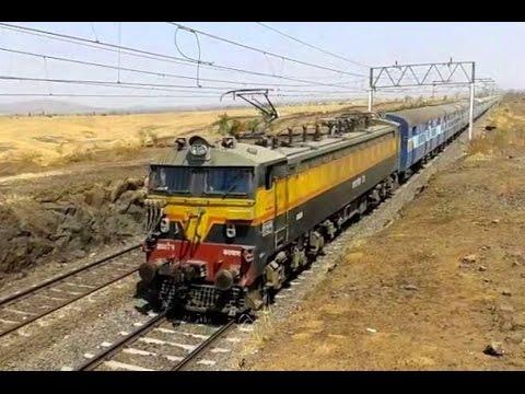 21900 WCAM3 blasts with Varanasi CSTM Mahanagari Express