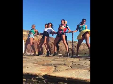 Katrina /kaif hot dance/ steps on tiger/ jinda hai Mene by Tarun Tomar