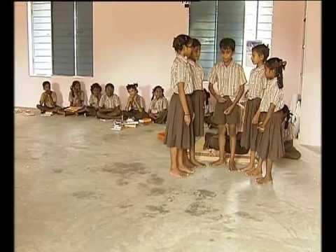 Tamil medium school students speaks English in American style ...