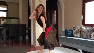 رقص منزلي من بنت قمر   1
