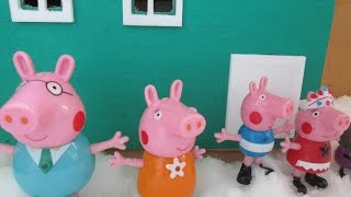 Five Little Peppa Jumping on the Bed for Children   Nursery Rhymes song
