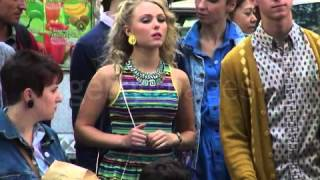 27.08.2013 - AnnaSophia Robb On The Set of The Carrie Diaries