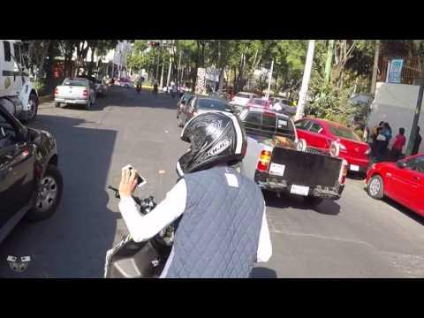 Motociclista se roba Celular CDMX 2017