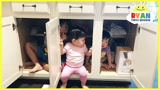 Kid plays Hide N Seek with twins baby sisters