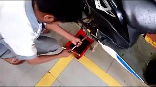 How to change Mobil in Honda Dio Scooty