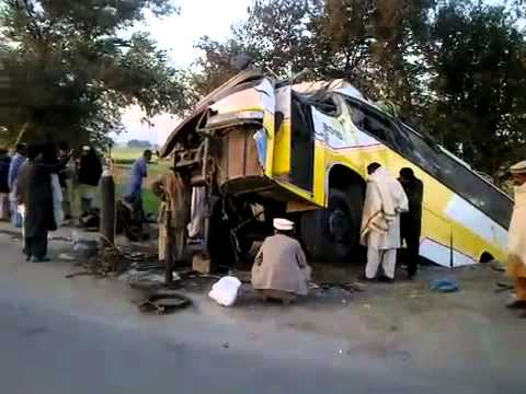 AWAN COACH JB 9997 accident in talagang