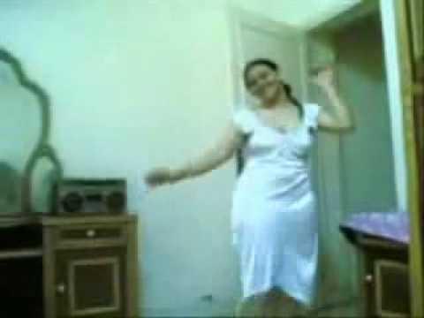 Sara la marocaine danse à Constantine Montage