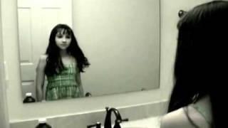 elmasr  فيديو مرعب جدا   فيديو مرعب جدا لفتاه في الحمام للكبار فقط +18
