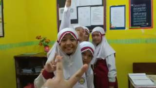 Anak 6b pas hari guru(25 november hari jumat 2016)makasi guru ku😄😙😘😚