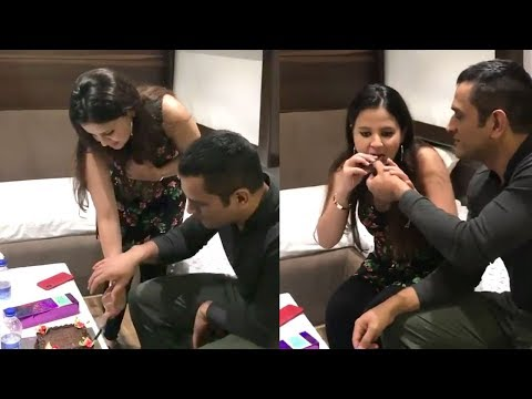 Xxx Mp4 MS Dhoni CUTE Video Celebrating Wife Sakshi Dhoni 39 S Birthday At Home Will Melt Your Heart 3gp Sex