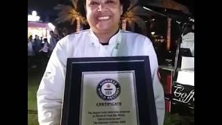 الحصول على جائزة الرقم القياسي من غينيس لأكبر طبق مرقوقة دجاج في العالم