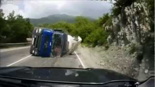 Amazing Truck Crash Compilation
