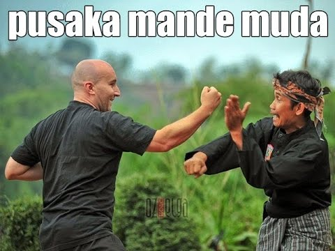 tricks and techniques of pencak silat pusaka mande muda dropped and locks