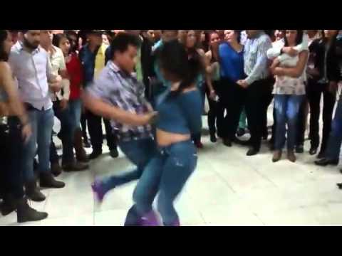 Que Manera de BAILAR Cumbia texana y Cumbia Norteña HECHO EN MEXICO