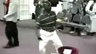 Dança na igreja kkkk