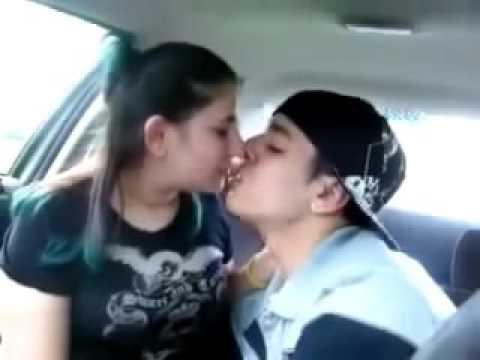 MUVIZA COM  girl  kiss boyfriend  in the car