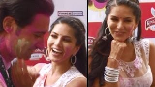 Sunny Leone's SIZZLING BABY DOLL performance at Zoom Holi Party 2014