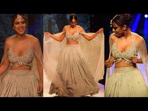 Xxx Mp4 Nia Sharma Ramp Walk Pune Fashion Week 3gp Sex