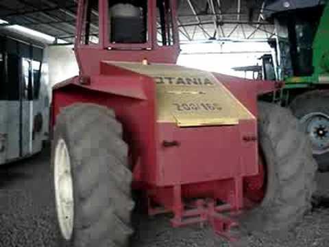 Tractor motoarrastrador Rotania articulado