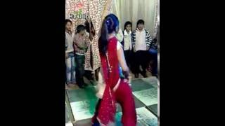 Mehndi Dance By Pakistani Girl