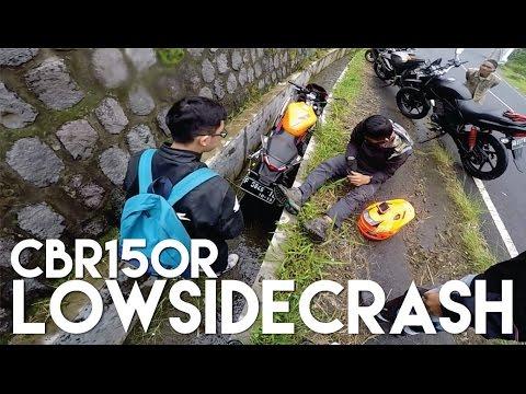 Kecelakaan Motor Nyemplung Selokan! di Tawangmangu