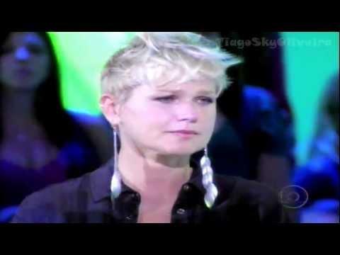 Xuxa emocionada com a música Ressuscita me de Aline Barros no Tv Xuxa 11 02 2012