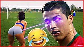 Gostosas Jogando futebol, engraçado !