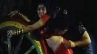 Sheeba Rain song red saree