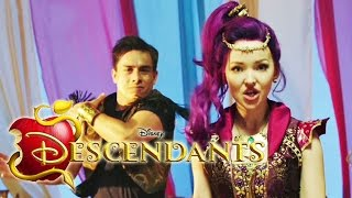 Genie in a Bottle - Dove Cameron - DESCENDANTS die Nachkommen | Disney Channel Songs