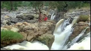 Hemant Birje And Kimi Katkar Hot Kiss - Tarzan - Kissing At A River Bank