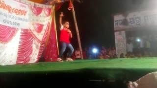 Cycle se aaya gori perform by 6 year child.