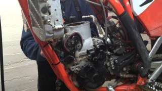 How to do a KTM 250/300 Top End Rebuild