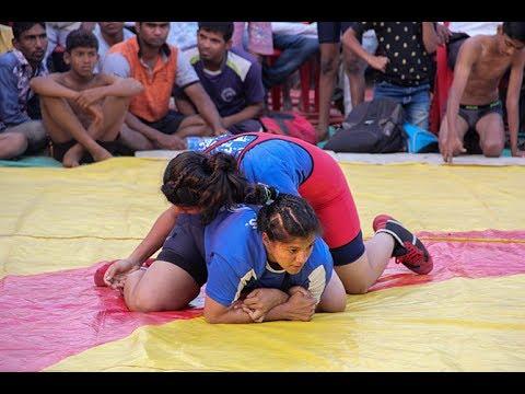 कुस्ती : Kusti the history of Sanaswadi Pune -  first time played girls