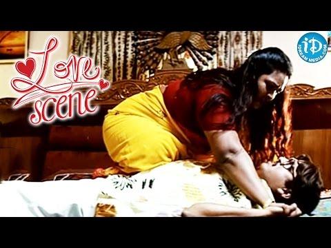 Shakeela, Rajendra Prasad Love Scene - Andagadu Movie
