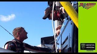 Clint Bowyer confronts pit crew after crash