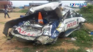 3 Police Injured As Lorry Hits Patrolling Vehicle At ORR Hyderabad - Express TV