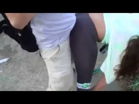 hot chick booty grinding on white guy