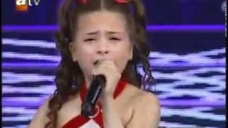Incroyable mais vrai -fillette talentueuse a  fait pleurer......