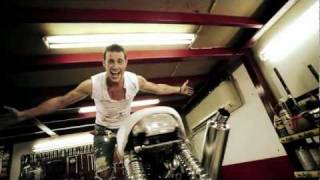 Σάκης Αρσενίου - Ερωτοχτυπημένος | Sakis Arseniou - Erotoxtipimenos - Official Video Clip
