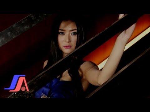 Gadis Bukan Perawan - Lynda Moymoy (Official Music Video)